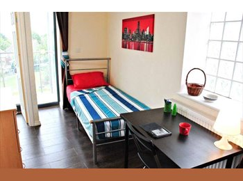 CONSIDERABLE&AFFORDABLE!!BRIGHT&COZY ROOM AVAILABLE TO MOVE...