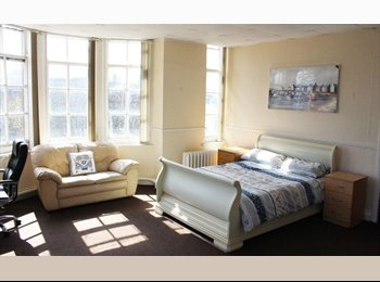 SUNDERLAND CITY CENTRE ROOMS AVAILABLE NOW !!