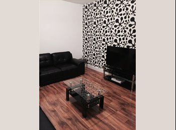 LARGE ROOM AVAILABLE NOW- CHURCH , ROKER