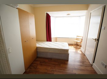 EasyRoommate UK - *SELF-CONTAINED STUDIO FLAT IN BARNET* - Barnet, London - £895 pcm