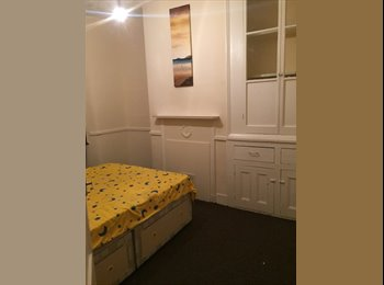 Rooms in Ilford