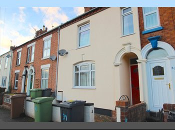 EasyRoommate UK - Single room close to town centre, Wellingborough - £300 pcm