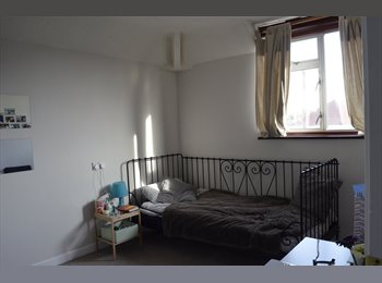 1  DOUBLE BEDROOM FOR RENT IN PILL/FOR SINGLE...