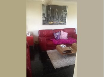 EasyRoommate UK - Professional Female Roomate wanted- Double room - Fulwood, Preston - £400 pcm