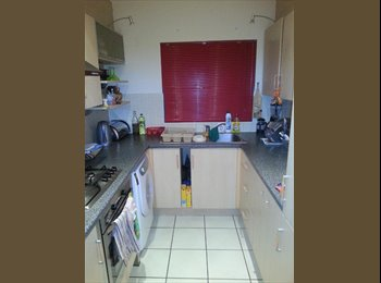 EasyRoommate UK - DOUBLE ROOM IN BARNET EN4 CLEAN AND FRIENDLY HOUSE 5 MIN TO BLR. SHARING WITH 2 PPL.ONLY - Barnet, London - £450 pcm