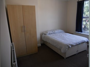 Double and twin rooms for rent in Abbey Wood