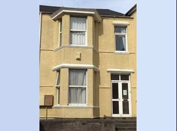 EasyRoommate UK - 6 bedroomed student house-Less than 1 Min from the Uni... - Plymouth, Plymouth - £340 pcm