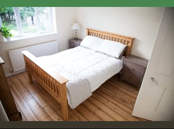 EasyRoommate UK - 4 double bedrooms in newly renovated house  - Bath, Bath and NE Somerset - £500 pcm