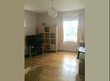 FEMALE ONLY: Double Room in 2bed Modern Flat, 780pcm...