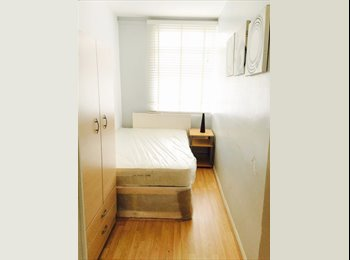 *4 Bedroom Flat with 4 rooms available in Whitechapel*