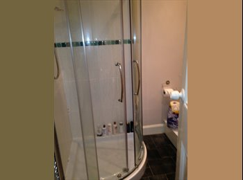 DOUBLE BEDROOM TO RENT IN SHAWLANDS