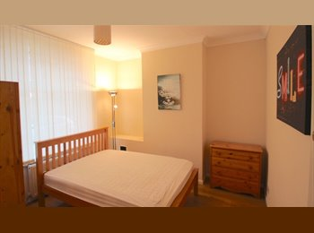 Double Room  with En-suite in Shared House