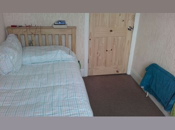 EasyRoommate UK - Sunny Furnished Single Room To Rent In Southmead - Southmead, Bristol - £390 pcm