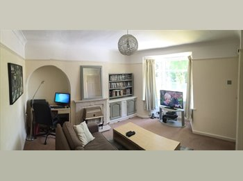 EasyRoommate UK - Room Available with your own Sky Movies/Sports box in your room - Smethwick, Birmingham - £375 pcm