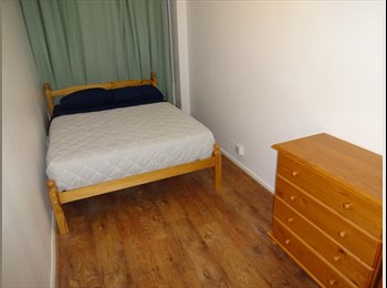 AMAZING SINGLE ROOM WITH DOUBLE BED FOR SINGLE OCCUPANCY!