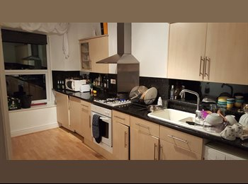 EasyRoommate UK -  DOUBLE ROOM to Rent in HENLEAZE/WESTBURY PARK Sharing with 24yo young professional guy. FURNISHED - Bristol, Bristol - £550 pcm
