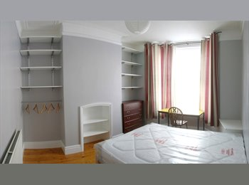 EasyRoommate UK - Immaculate, large double room in newly renovated house. - Kensington, Liverpool - £350 pcm