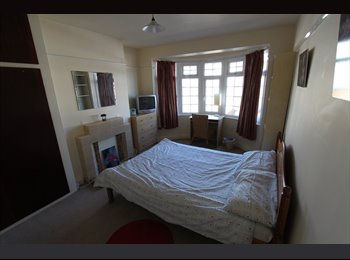1 DOUBLE & 1 DOUBLE ROOM WITH ENSUITE IN HOUSE ALL PROFF -...