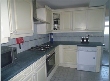 EasyRoommate UK - City Centre, Spacious Double Ensuite Room - Peterborough, Peterborough - £430 pcm