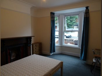 Fantastic dbl rooms in student houseshare. Great west end...