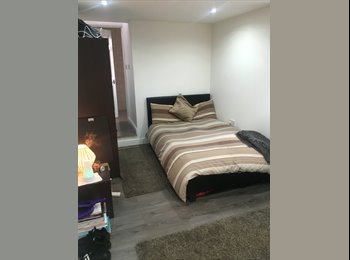 EasyRoommate UK - Newly built 1 LARGE double bedroom with a spacious ensuite - Hillfields, Coventry - £525 pcm