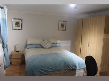 EasyRoommate UK - LARGE DOUBLE BEDROOM - Botley, Oxford - £500 pcm