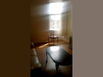 EasyRoommate UK - *STUDENTS DOUBLE BEDROOM* - Govan, Glasgow - £199 pcm
