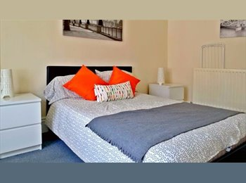 FURNISHED DOUBLE ROOM CLOSE TO THE CITY CENTRE