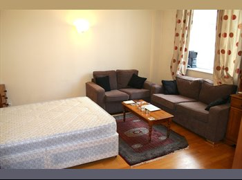 WATERLOO - STUNNING SPACIOUS DOUBLE ROOM JUST NEXT TO THE...