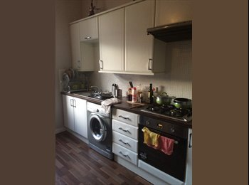 EasyRoommate UK - Double bedroom for rent it n fully furnished flat - Bridgeton, Glasgow - £300 pcm