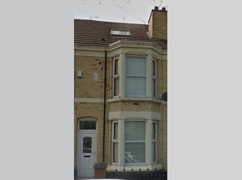 Double bedroom available close to Liverpool unis and city...