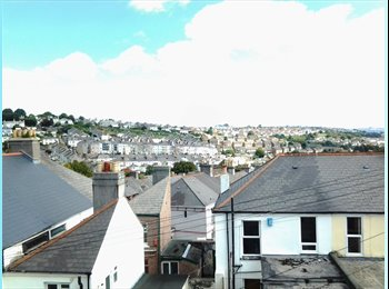 EasyRoommate UK - Just two rooms left in this lovely Grade A Student House - Mutley, Plymouth - £349 pcm
