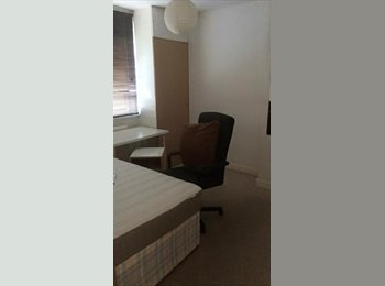 EasyRoommate UK - Fantastic double room in Filton - Little Stoke, Bristol - £160 pcm