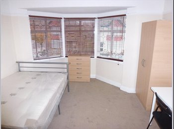 DOUBLE / TWIN ROOM TO RENT IN NORTH ACTON - CENTRAL LINE -...