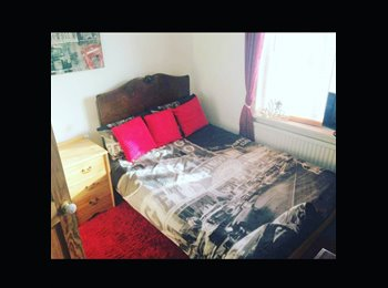 EasyRoommate UK - Double Room for one occupant  - East Cliff, Bournemouth - £360 pcm