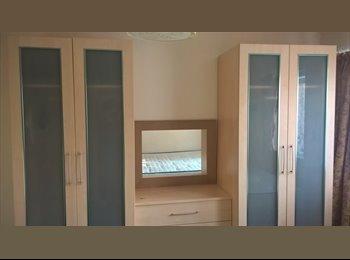 EasyRoommate UK - Nice double room in a 2 bedroom flat for Single Ocupant (Professional) near Hatfield train station - Hatfield, Hatfield - £475 pcm
