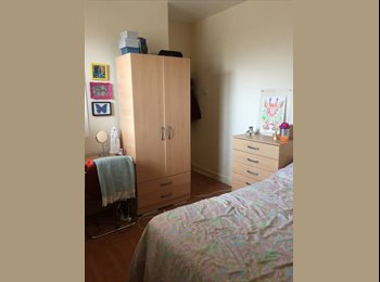 EasyRoommate UK - Double Room - Located off Brick Lane - Whitechapel, London - £756 pcm
