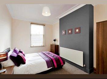 Newly Refurbished 4 Bedroom, 2 Bathroom House Parking,...