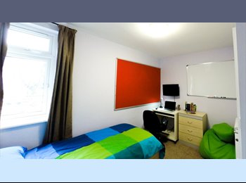 Rooms in a high quality 5 bed house for young professionals