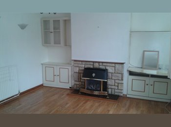 EasyRoommate UK - Double Room to let... Ideal for a couple, Greenhithe - £595 pcm