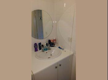 EasyRoommate UK - Nice room with own bathroom, Peterborough - £370 pcm