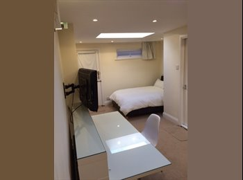 EasyRoommate UK - First Class Studio Apartment, Chester - £600 pcm