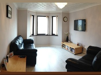 Available now! Double room in City Centre Flat with Parking...