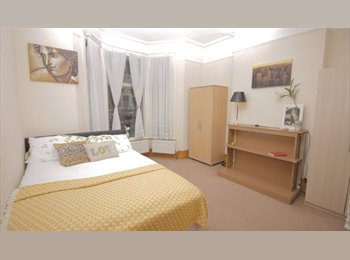 2 Spacious Doubles- Catford and Ladywell station- 10 min...
