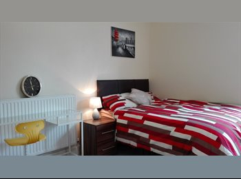 EasyRoommate UK - Newly renovated en-suite rooms for Professionals. , Peterborough - £520 pcm