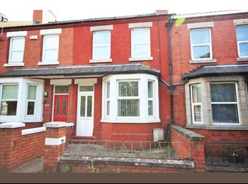 EasyRoommate UK - 4 spacious room available in Connah's Quay, Deeside!, Chester - £368 pcm