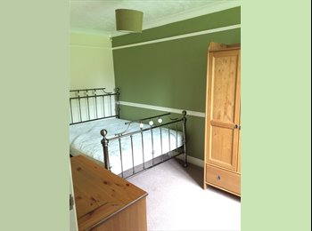 DOUBLE ROOM WITH PRIVATE BATHROOM NICE HOUSE IN GREAT AREA