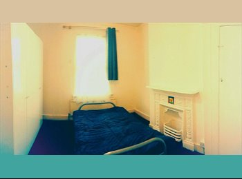 2 Lovely Rooms. Nice Big House/ Ilford