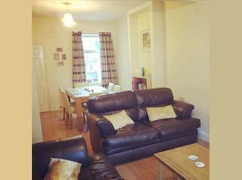 EasyRoommate UK - Double Room near Wolverton train station, Milton Keynes - £375 pcm