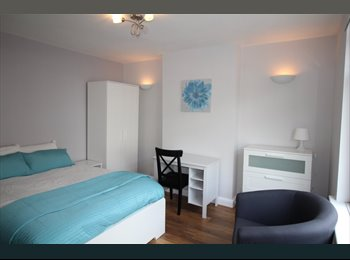 EasyRoommate UK - Fully Furnished Double Room Close to Town., Colchester - £500 pcm